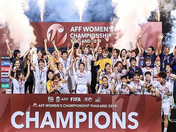 Bóng đá Thái Lan thua toàn diện Việt Nam 2019