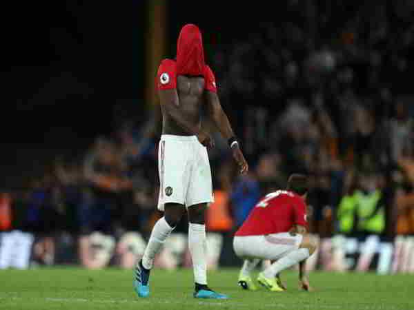 Paul Pogba bị chỉ trích khi sút hỏng phạt đền trong trận MU gặp Wolverhampton