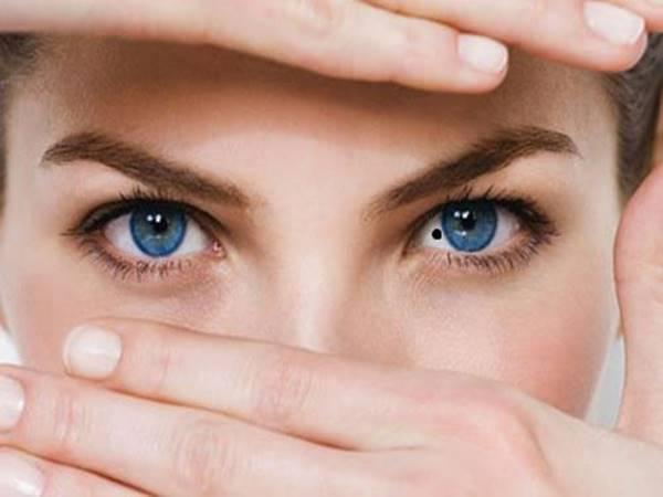 Nốt ruồi trong mắt của nam, nữ giới mang vận mệnh gì?