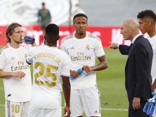 Zidane bất ngờ bực tức học trò