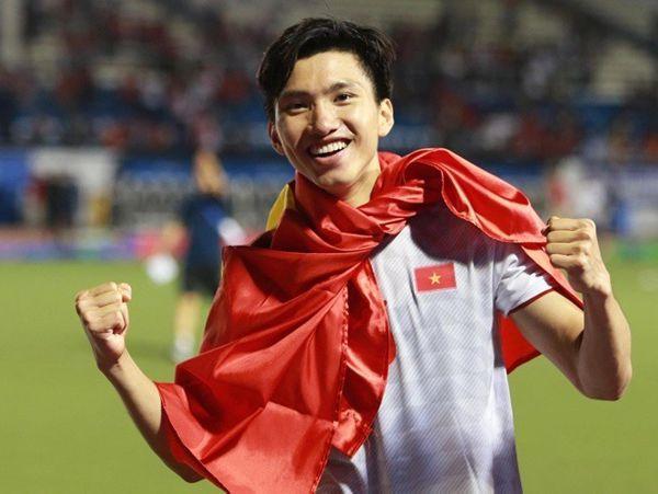 Tiểu sử Đoàn Văn Hậu - người viết nên kì tích bóng đá Việt Nam